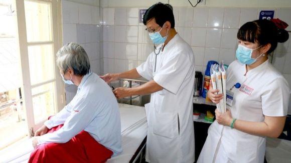 Bệnh nhân Whitmore đang được điều trị tại Bệnh viện T.Ư Huế /// BỆNH VIỆN T.Ư HUẾ CUNG CẤP