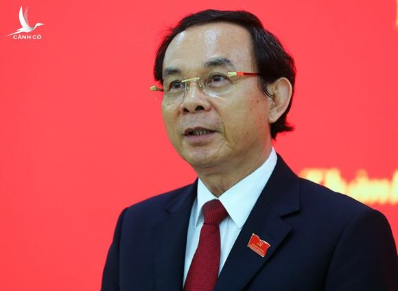 Ông Nguyễn Văn Nên, Bí thư Trung ương Đảng, Bí thư Thành uỷ TP HCM tại buổi họp báo hôm 18/10. Ảnh: Quỳnh Trần