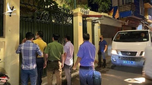 Cơ quan điều tra Bộ Công an khám xét nhà riêng ông Nguyễn Đức Chung hồi cuối tháng 8 /// Ảnh Lê Quân