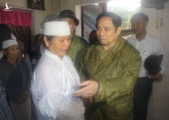 Đồng chí Phạm Minh Chính tới thăm và làm việc tại 3 tỉnh miền Trung - ảnh 5