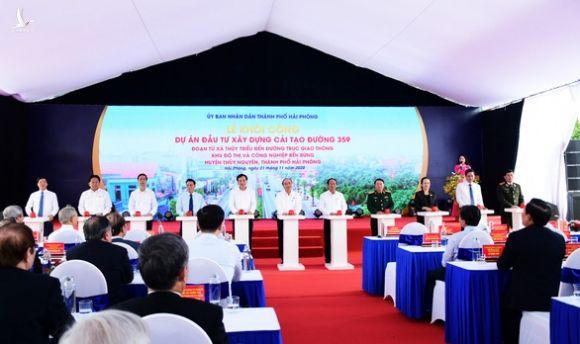Thủ tướng nhấn nút khởi công dự án nâng cấp đường 359 kết nối Hải Phòng - Quảng Ninh - Ảnh 1.
