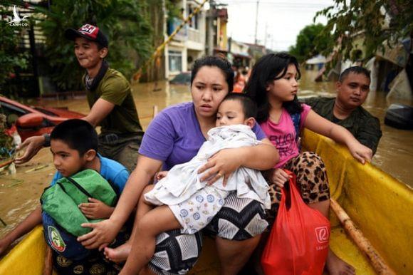 Cuồng phong Vamco - Cơn bão số 13 đang vào Biển Đông vừa khiến Philippines khốn đốn thế nào? - Ảnh 9.