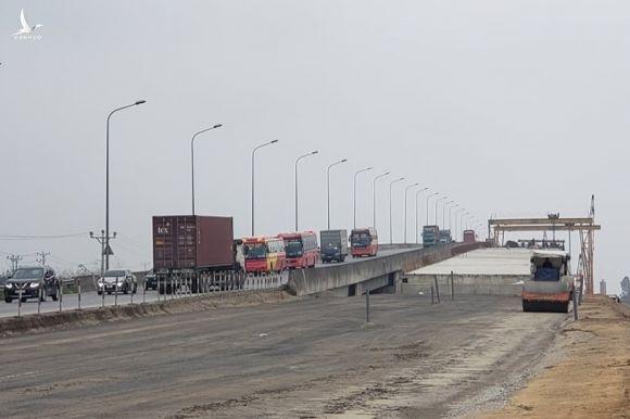 Sắp hoàn thành 8km dự án cao tốc Bắc Nam Cao Bồ Mai Sơn