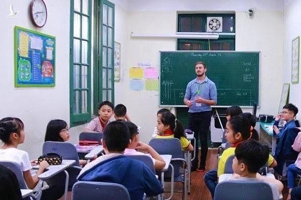 Giáo viên 8.0 IELTS vẫn chưa đủ điều kiện dạy ở Việt Nam, Bộ GD-ĐT nói gì?