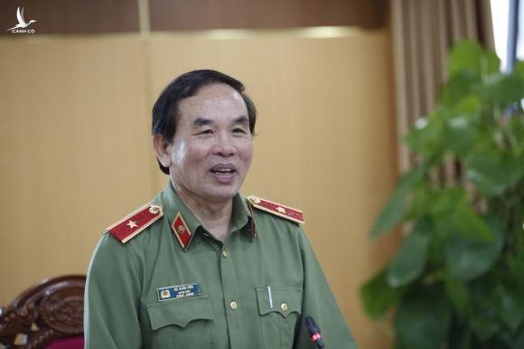 Giám đốc Công an Đà Nẵng lên tiếng vụ tài xế chở người nhập cảnh trái phép tự tử - Ảnh 1.