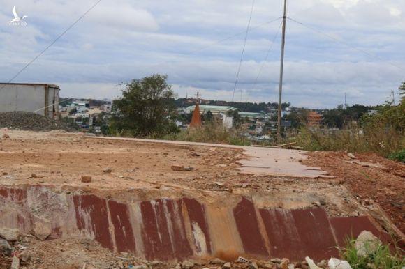 Đắk Nông hoàn thành tượng đài bằng đá gần 70 tỷ đồng - 4