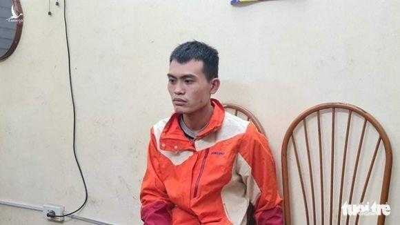 Tên trộm đâm gục bảo vệ, cướp hơn 10 điện thoại đã bị bắt - Ảnh 1.
