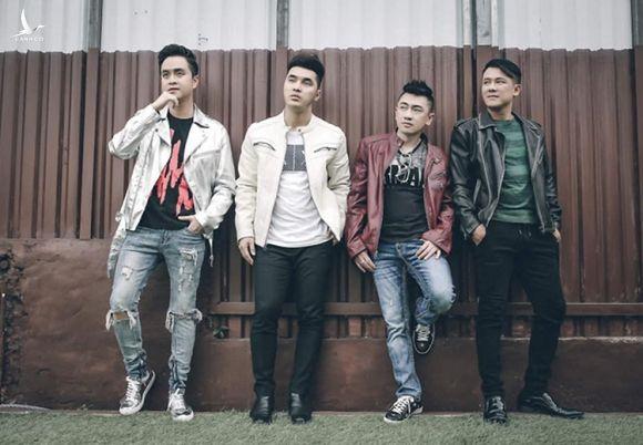 Từ phải qua: Vân Quang Long, Điền Thái Toàn, Hưng Hoàng Phúc, Nhật Tinh Anh - bốn trong năm thành viên 1088