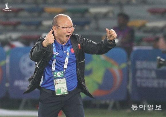 HLV Park Hang Seo: Bảo vệ chức vô địch là gánh nặng của bóng đá Việt Nam - 1