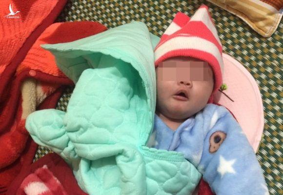 Bé gái bị bỏ rơi ở xã Thanh Lâm (H.Thanh Chương, Nghệ An) /// Ảnh: CTV
