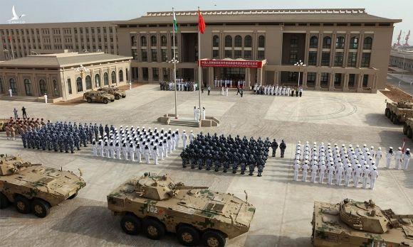 Lễ khánh thành căn cứ quân sự của Trung Quốc ở Djibouti, tháng 8/2017. Ảnh: PLA.