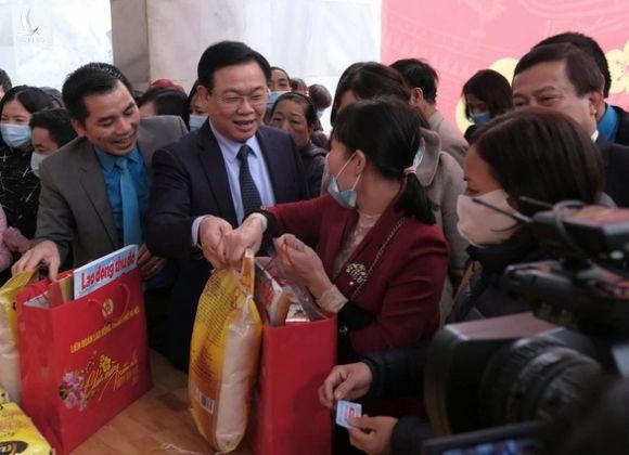 Hà Nội tổ chức 'Tết sum vầy', hơn 60 tỉ hỗ trợ người lao động khó khăn - Ảnh 1.