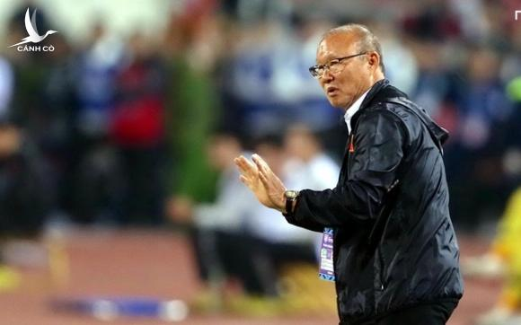 HLV Park Hang Seo: Bảo vệ chức vô địch là gánh nặng của bóng đá Việt Nam - 2
