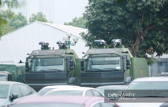 """Cận cảnh dàn xe """"khủng"""" làm nhiệm vụ bảo vệ đại hội Đảng trong Trung tâm Hội nghị Quốc gia - Ảnh 5."""