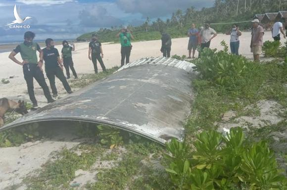 Điều tra cực sốc: MH370 bị vũ khí laser bắn hạ để ngăn hàng hóa rơi vào tay kẻ xấu - Ảnh 1.