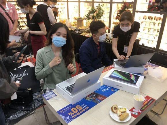 Máy tính Macbook, máy tính bảng iPad... sắp được sản xuất ở Việt Nam /// Ảnh: Thành Luân