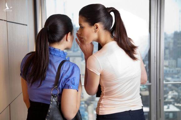 3 biểu hiện thường gặp của kẻ tiểu nhân, chỉ cần quan sát sẽ không nhìn nhầm người - Ảnh 4.