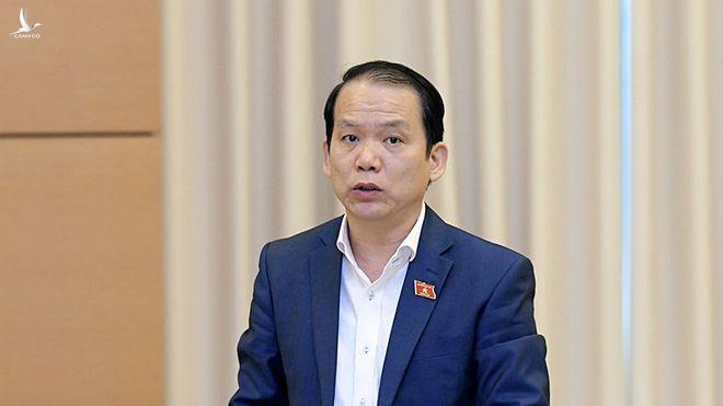 Chủ nhiệm Ủy ban Pháp luật Hoàng Thanh Tùng trình bày báo cáo thẩm tra về đề xuất của Chính phủ /// Ảnh Nguyên Mạnh