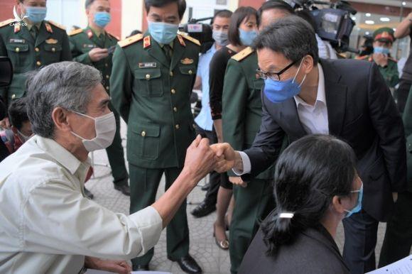 Phó Thủ tướng Vũ Đức Đam: Nghiên cứu vắc xin Covid-19 phải bước thật nhanh - 2