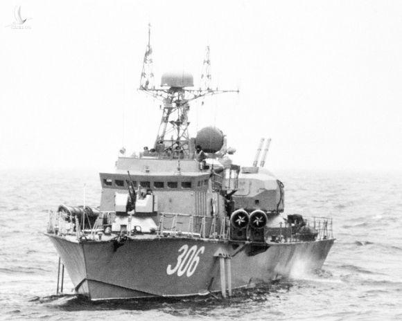Chiêm ngưỡng khoảnh khắc ngư lôi Việt Nam phóng ra từ tàu chiến cực hiếm - Ảnh 5.