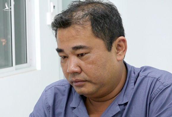 Trần Tri Mãnh tại cơ quan công an. Ảnh: An Phú