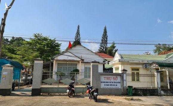 Trụ sở chi nhánh Văn phòng đăng ký đất đa H.Bảo Lâm, nơi xảy ra vụ việc mà bà Hương phản ánh /// ẢNH: LÂM VIÊN