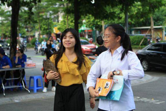 NÓNG: Hà Nội điều chỉnh thời gian tuyển sinh đầu cấp - Ảnh 1.