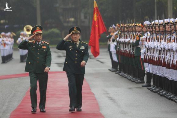 Thượng tướng Phan Văn Giang hội đàm với thượng tướng Trung Quốc Ngụy Phượng Hòa - Ảnh 1.