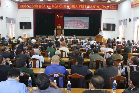 Quảng Nam: Tây Giang phát huy vai trò già làng, người uy tín trong công tác bầu cử - Ảnh 1.