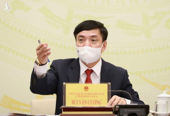 vi sao ong Nguyen Quang Tuan duoc rut ten khoi danh sach ung cu anh 2