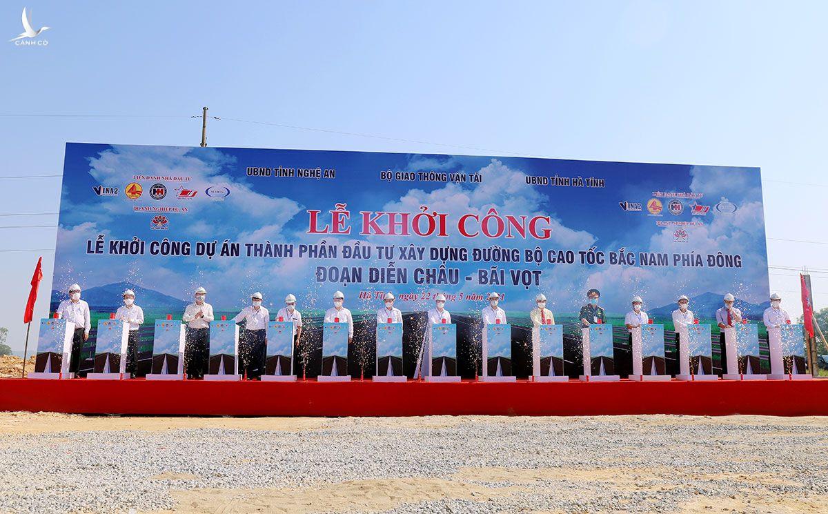 Lễ khởi công cao tốc Diễn Châu - Bãi Vọt.