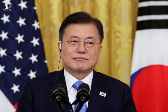 Hàn Quốc ngỏ lời giúp Triều Tiên có vắc xin COVID-19 - Ảnh 1.