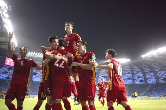 Tranh cãi chuyện tuyển Việt Nam sẽ là 'rổ đựng bóng', 'lót đường' ở World Cup 2022? - ảnh 1