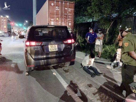 Bình Dương: Khởi tố tài xế xe 7 chỗ tông văng 2 CSGT - ảnh 1