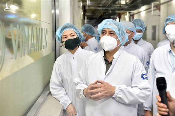 Thủ tướng: 'Tinh thần là chống dịch để sản xuất và sản xuất để chống dịch' - 1