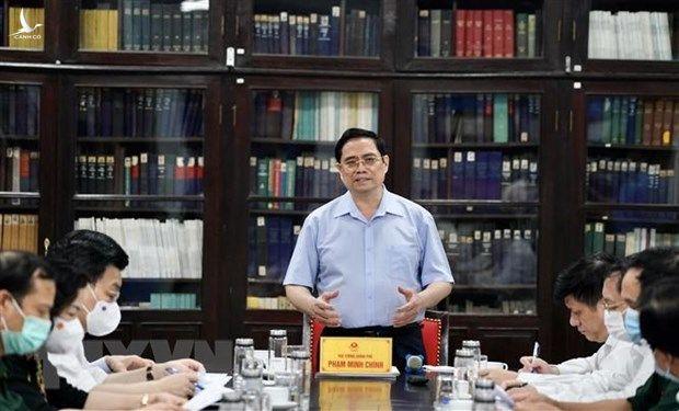 Kinh te Viet Nam trong 6 thang: Vung vang voi 'muc tieu kep' hinh anh 2