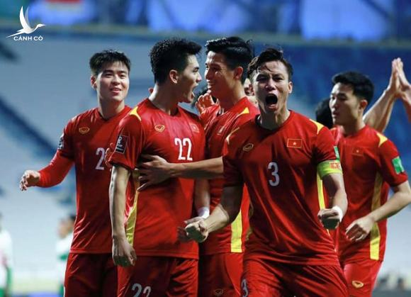ĐT Việt Nam bất ngờ nhận 4,6 tỷ đồng tiền thưởng từ AFC - Ảnh 2.