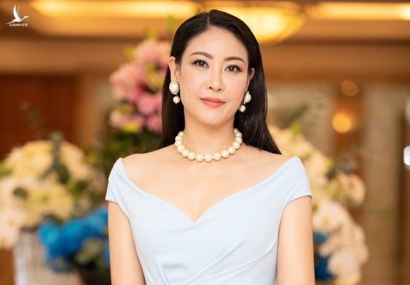 Hoa hậu Hà Kiều Anh bảo rằng gia đình cô thuộc dòng dõi hoàng tộc là có thật /// ẢNH: NSCC