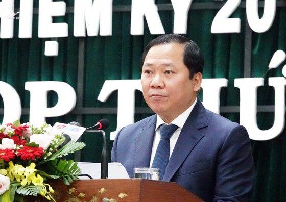 Phê chuẩn chức Chủ tịch tỉnh với Ủy viên Trung ương dự khuyết 45 tuổi - Ảnh 1.