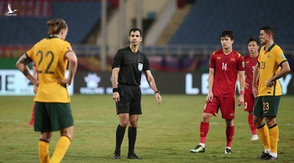 FIFA đưa ra phán quyết về trọng tài trận ĐT Việt Nam - ĐT Australia - Ảnh 1.