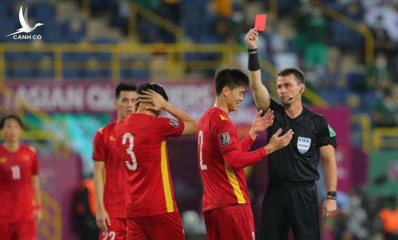 FIFA đưa ra phán quyết về trọng tài trận ĐT Việt Nam - ĐT Australia - Ảnh 2.