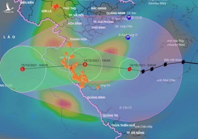 Tin mới nhất: Bão số 8 áp sát đất liền, các tỉnh miền Trung mưa lớn