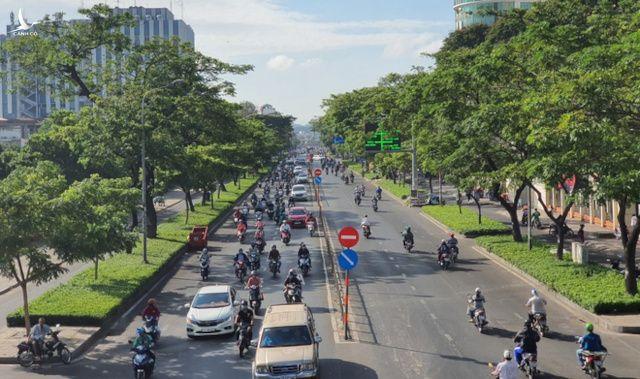 """Tình hình giao thông ở TP HCM diễn biến phức tạp trong những ngày """"bình thường mới"""""""