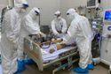 Tận mắt xem các bác sỹ điều trị hàng loạt bệnh nhân COVID-19 rất nặng ở Đà Nẵng