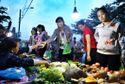 70% công nhân TP HCM không về quê ăn Tết