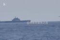 Trung Quốc tung hô vì cảnh J-15 đáp xuống mẫu hạm Liêu Ninh trước mắt Mỹ