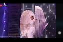 Hoa hậu Khánh Vân gây ấn tượng mạnh với cú xoay nhẹ tựa mây tại Miss Universe