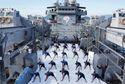 Biển Đông Hôm Nay: Hải quân Ấn Độ biểu diễn yoga trên vịnh Cam Ranh, gửi thông điệp cứng rắn đến Trung Quốc