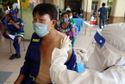 2.000 công nhân môi trường TP.HCM được tiêm vắc xin, nhiều người mừng rơn