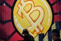 Trung Quốc 'trấn áp' giao dịch tiền số, đồng Bitcoin chao đảo